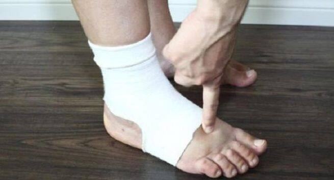 Swollen feet during pregnancy | TheHealthSite.com
