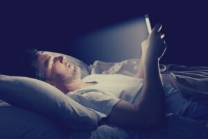 bedtime scrolling leads to mental disorders