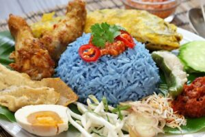 Blue rice the new social media trend